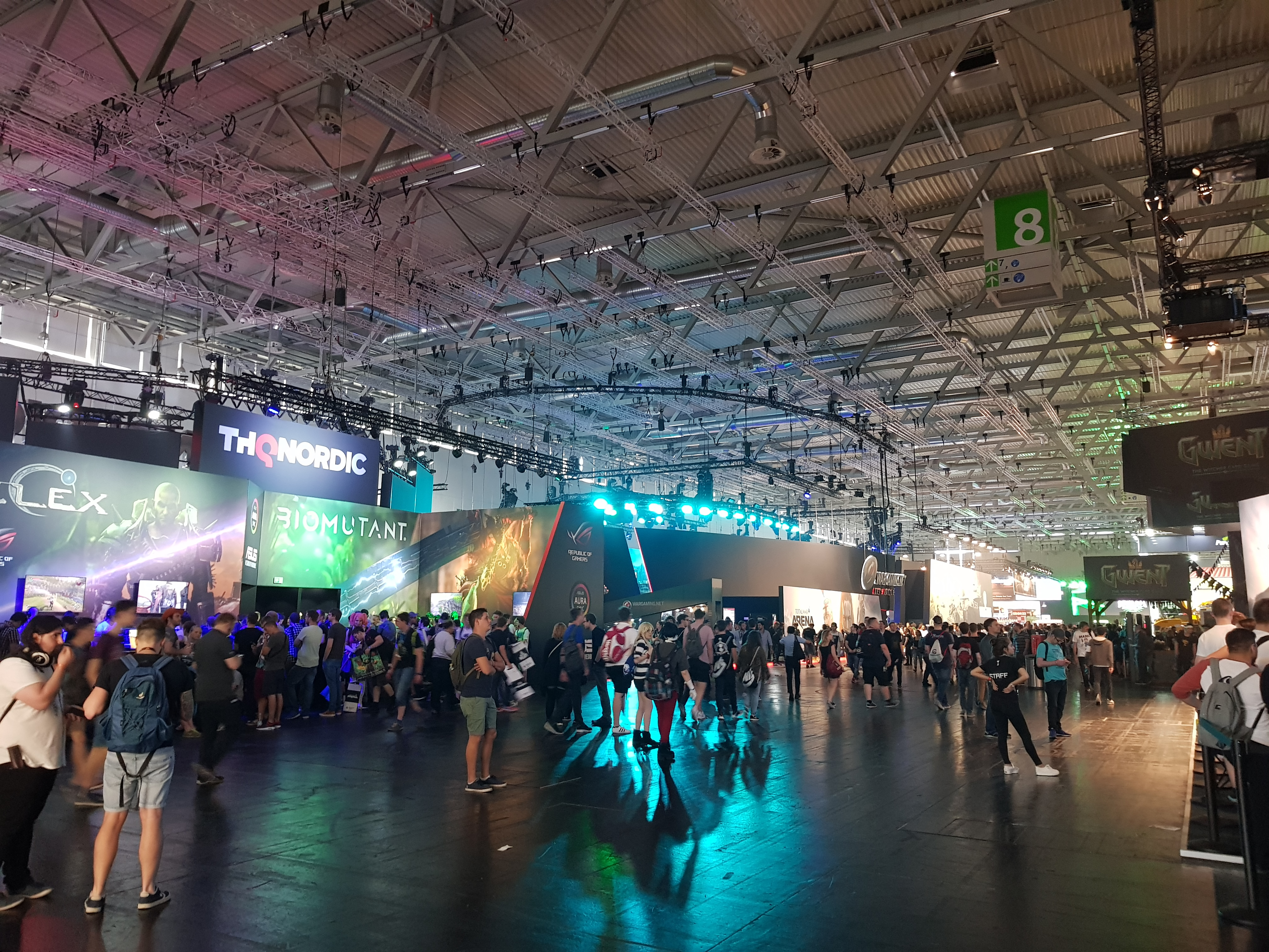 gamescom 2017 - Halle 8
