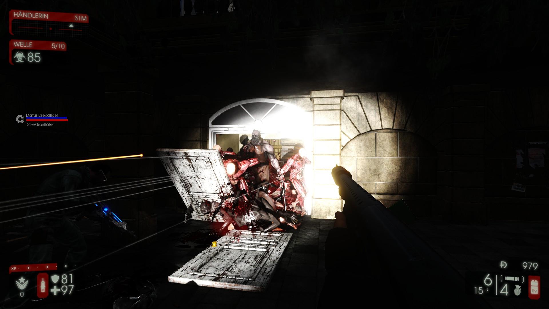 Killing Floor 2 - Monster durchbrechen die Tür.jpg